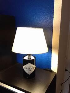 Lampenfassung Für Flaschen : hendricks gin lampe diy selbstgebastelt leere gin lampe dremel und gaaaanz gelduldig ein ~ Frokenaadalensverden.com Haus und Dekorationen