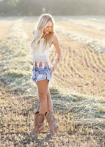 Traveling Posh Country Concert Outfit Ideas