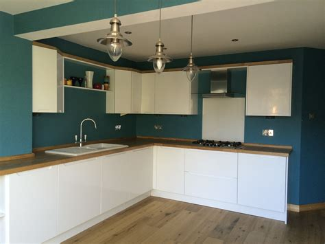 lovely kitchen  high gloss white handless doors