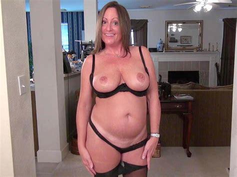 American Milf Brandi Needs A Good Rub Down Free Hd Porn
