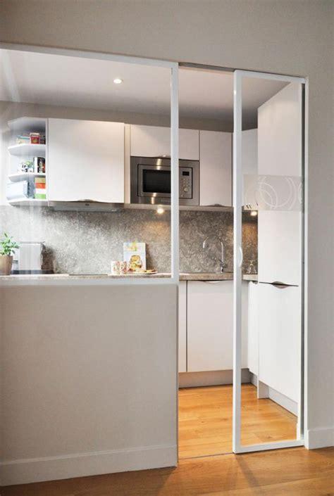 porte de cuisine coulissante la porte coulissante en verre gain d 39 espace et esthétique moderne