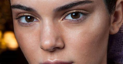 Maquillage de l'été sobre avec une touche de couleur bleu et vert Vidéo dailymotion