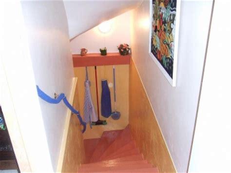 cuisine sous escalier decoration escalier sous sol