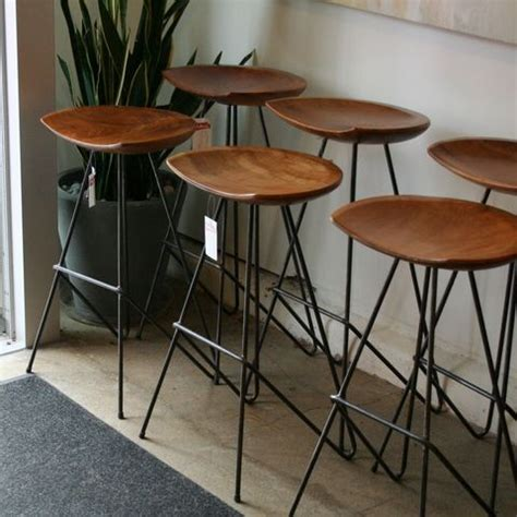 kitchen island with 4 stools these mid century bar stools would look great on your 8232
