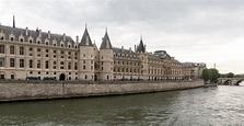 File:Paris, Conciergerie -- 2014 -- 1320.jpg - Wikimedia ...