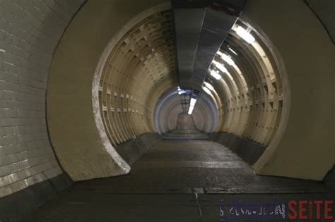 Spindeltreppe 360 Grad Treppendynamik by Greenwich Foot Tunnel Panorama 360 176