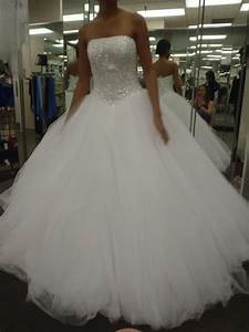 pics for gt biggest wedding dress in the world With biggest wedding dress