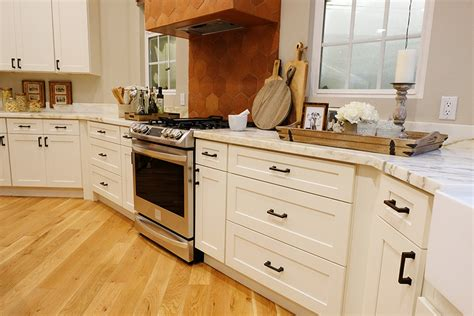 antique white shaker kitchen cabinets buy shaker antique white rta ready to assemble kitchen 7494