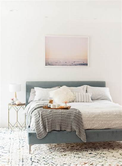Minimalist Bedroom Bed Beyond Bath Modern Decor