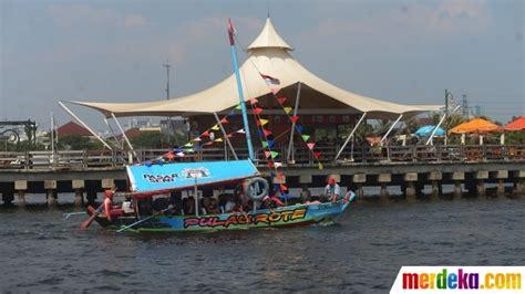 foto habiskan libur lebaran  perahu wisata ancol