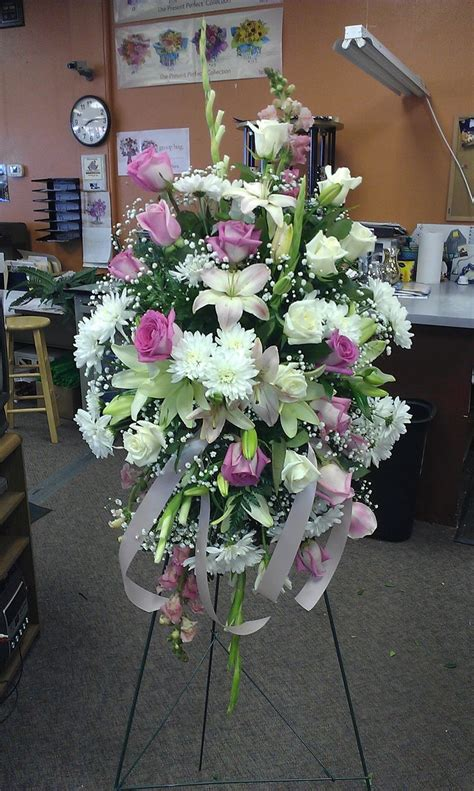 images  sympathy floral arrangements