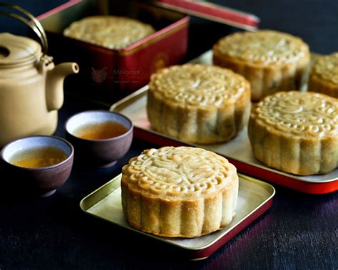purple yam mooncakes malaysian chinese kitchen