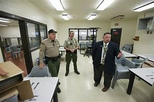 Clark County Jail tests program to help inmates re-enter ...