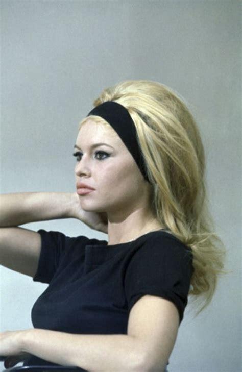 60s Headband Hairstyles by Brigitte Bardot S Headband Retro Hair And Makeup 1960s