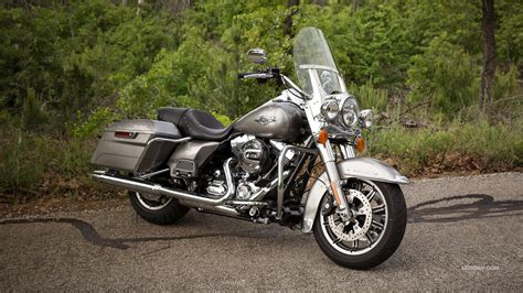 Harley Davidson Road King 4k Wallpapers by Motorcycles Desktop Wallpapers Harley Davidson Touring