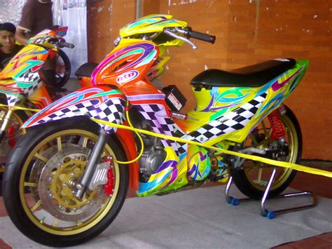 Modif Supra X 125 Ring 17 by Modifikasi Supra X 125 Fi Road Race Racing Thailook
