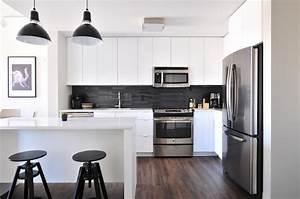 1001 conseils et idees pour amenager une cuisine moderne With cuisine marron et blanc