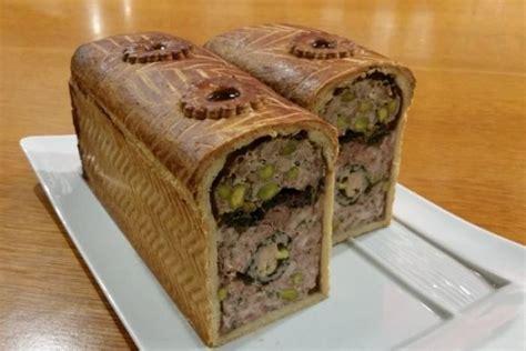 pate en croute recette recette de p 226 t 233 en cro 251 te de thym frais quot veau volaille et foie gras au vin jaune quot