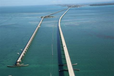 Florida Keys. Marathon. 7 Mile Bridge. Ancien et nouveau ...