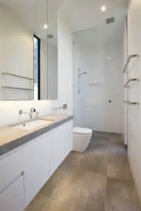 narrow bathroom ideas 25 best ideas about small narrow bathroom on narrow bathroom small space bathroom