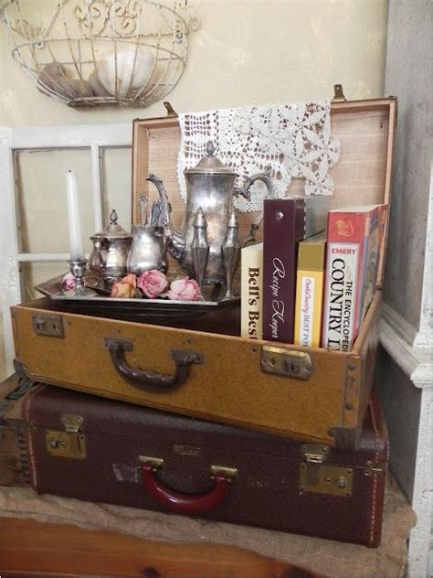 Decorating Ideas Using Suitcases by 20 Diy Vintage Suitcase Decorating Ideas For The Home