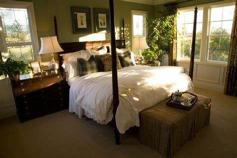 richly decorated smaller master bedroom designs