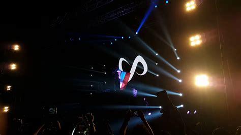 dj snake kolkata sunburn dj snake waving the indian flag at sunbur arena