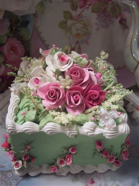 beautiful decorated cakes sqgreen shabby cottage rose decorated fake cake charming will make it real beautiful