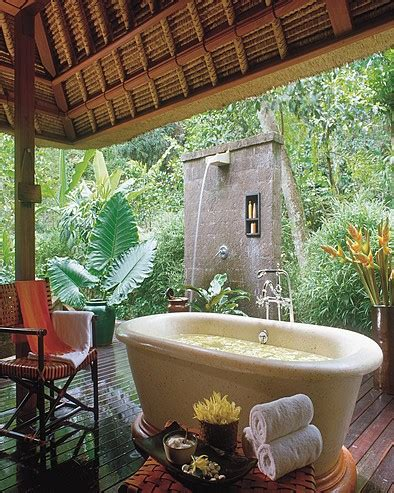 house chic outdoor bathrooms