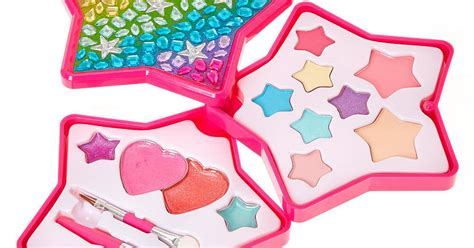 claires accessories urgently recalls   kits
