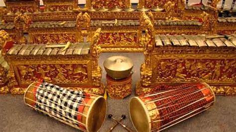 Kali ini kita akan berlatih memainkan alat musik rekorder. Gamelan Javanese music - Gending Jawa - YouTube