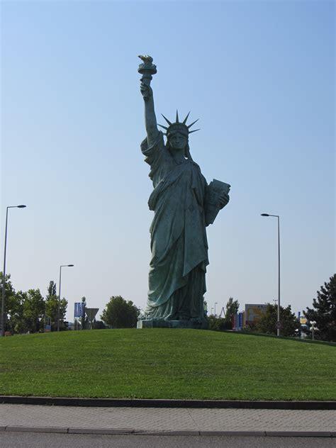 Statue of Liberty Replica - Pic of the Week | In Custodia ...
