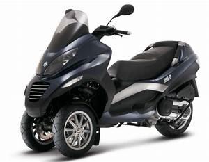 Piaggio Mp3 400 : motorcycle specs ~ Medecine-chirurgie-esthetiques.com Avis de Voitures