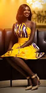 coupe de cheveux court femme 2016 la blackeuse 10 idées de robes africaines coupe courte