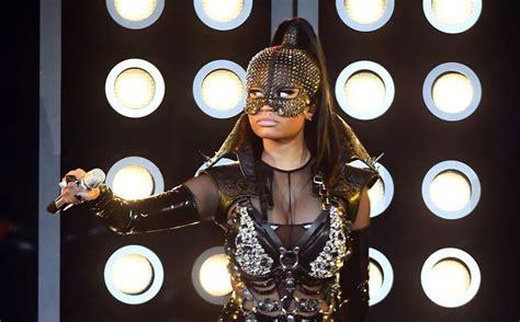 Nicki Minaj Performs At 2017 Billboard Music Awards Watch