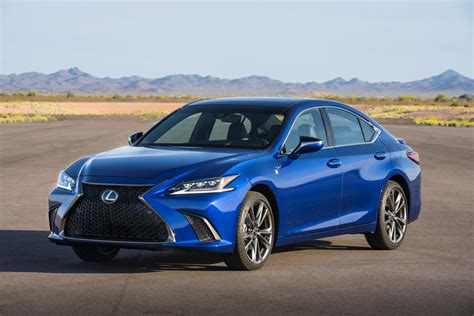 es lexus 2020 2020 lexus es review trims specs and price carbuzz