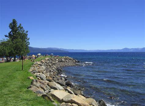 Dateiburnt Cedar Beach, Lake Tahoe (2729479123)jpg
