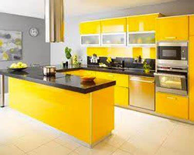 meuble cuisine jaune cuisine grise avec meubles couleur jaune