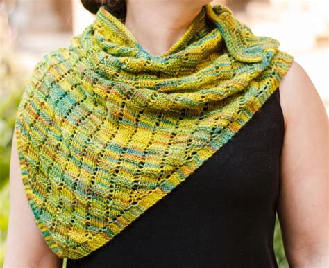 Quick Knit Shawl Pattern Free - Erieairfair