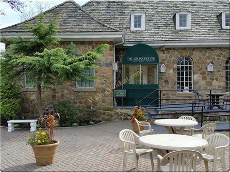 the stone house american restaurant in sunnyside staten