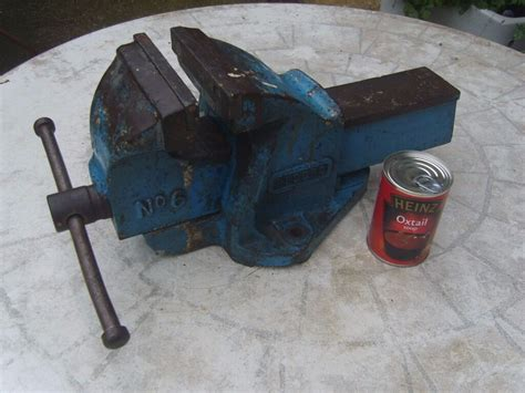 heavy duty engineering vintage record   bench vice vise