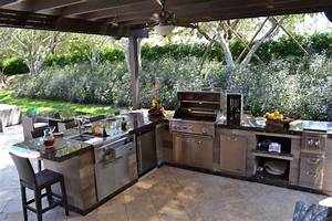 Outdoor kitchen and pergola project in south florida for Outdoor kitchen miami