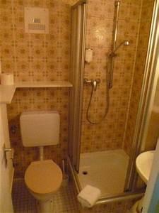 3 Qm Bad Einrichten : 3qm bad mit dusche hotel pfalzblick dahn holidaycheck rheinland pfalz deutschland ~ Markanthonyermac.com Haus und Dekorationen
