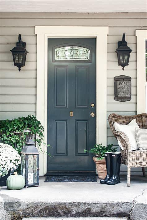 farmhouse porch decor ideas  holds dearly