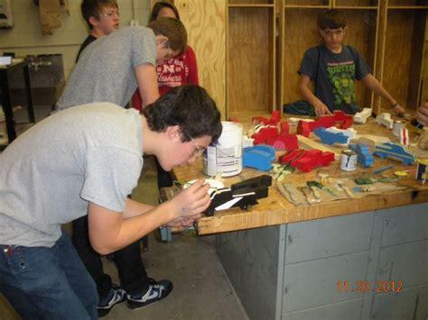 ashland greenwood public schools ag students build donate toys