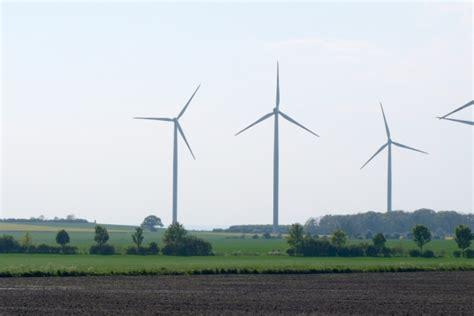 Energiewende Was Zusaetzliche Energieeinsparung Kostet by Energiewende Kostet 2016 Laut Iw Rund 31 Milliarden