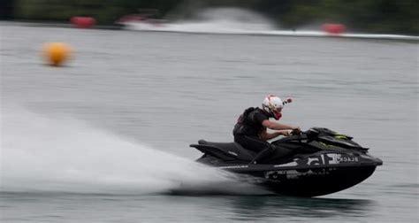 Jet Ski Fast Boat by Wordlesstech World S Fastest Jet Ski