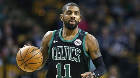 Report: Kyrie Irving threatened to sit out with knee