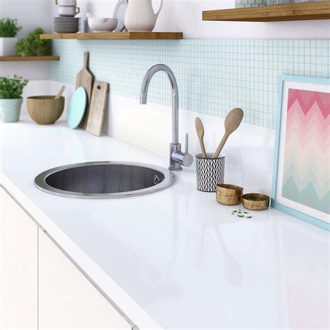 plan de travail cuisine blanc laqué plan de travail en verre blanc cuisine naturelle