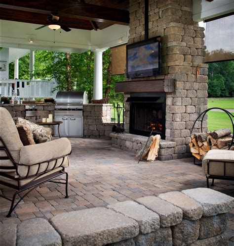 Best Backyards For Entertaining by The 25 Best Outdoor Entertainment Area Ideas On